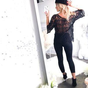 Tops - Black crocheted 3/4 sleeve top